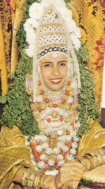 Una novia judía yemenita con su vestimenta nupcial tradicional.