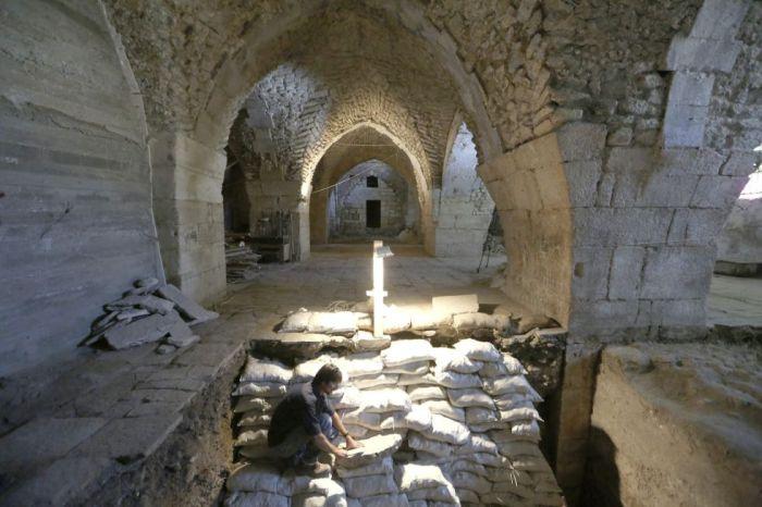 Amit Reiem, director de la excavación de la Autoridad de Antigüedades de Israel (AAI), en el hospital hallado en Jerusalén. / ABIR SULTAN (EFE)